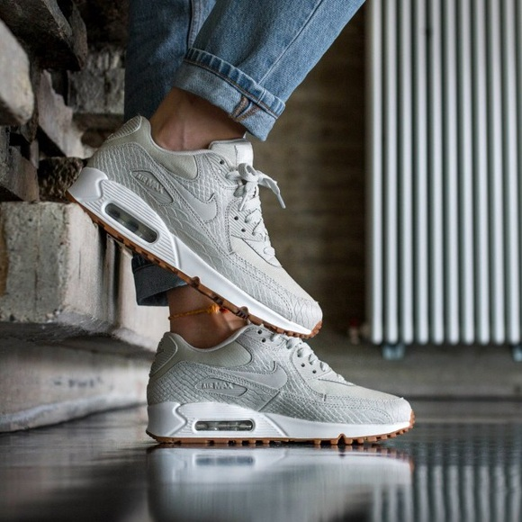 NIKE AIR MAX 90 PRM Sneaker in Light Bone </div>             </div>   </div>       </div>     <div class=